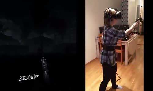 Occulus Zombie عندما تلعب الفتيات لعبة الزومبي على اوكولس