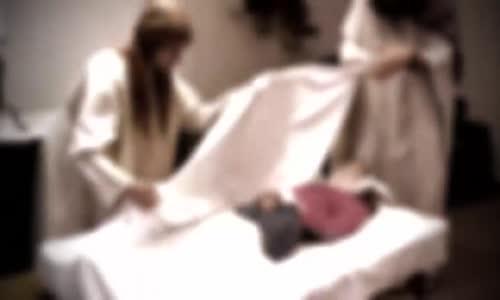 قصة مرعبة عن سوء الخاتمة لفتاة ميته ظهر على بطنها كلمة زانية اثناء تغسيلها