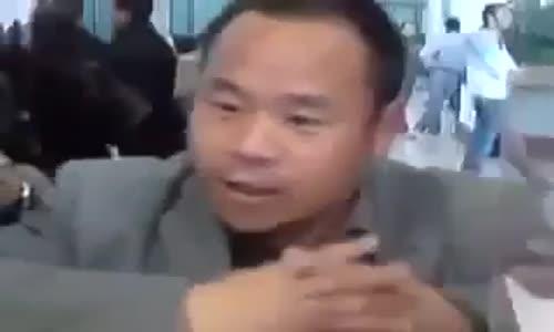 صينى يتكلم بطلاقة اللهجة الجزائرية و بعض العرب جيهم صعبة !!!!