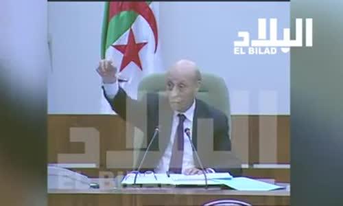 النائب سبيسيفيك طاهر ميسوم يفسر معنى كلمة الجزائر