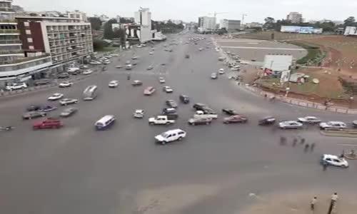 #فيديو | القيادة في العاصمة الأثيوبية أديس أبابا ... بدون اشارة ضوئية لم تسجل حادثة واحدة خلال عام.
