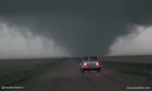 NEW_ large wedge tornado southwest of Scott City, KS!