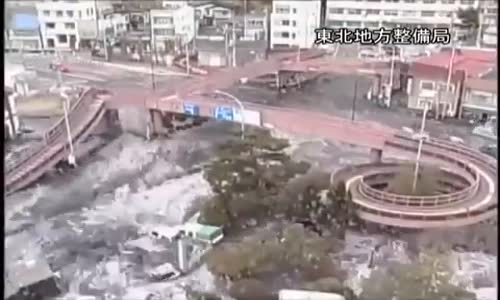 Rare footage of the Tsunami that hit Japan