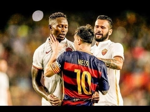 أقوى مشاجرات و قتال الاعبين في عالم كرة القدم