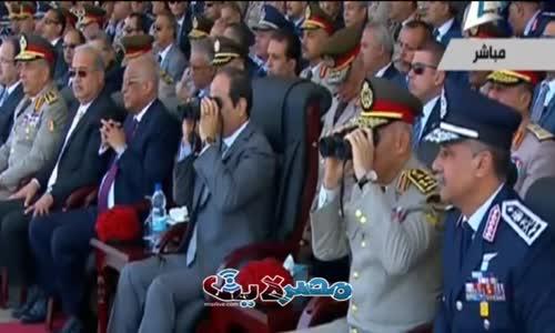 السيسي يقود مناورة عسكرية تقصف مسجدا وتدمّره