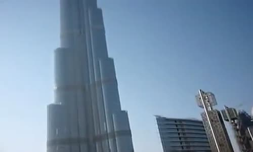 American Tourist Hear Muslim Call to Prayer in Dubai