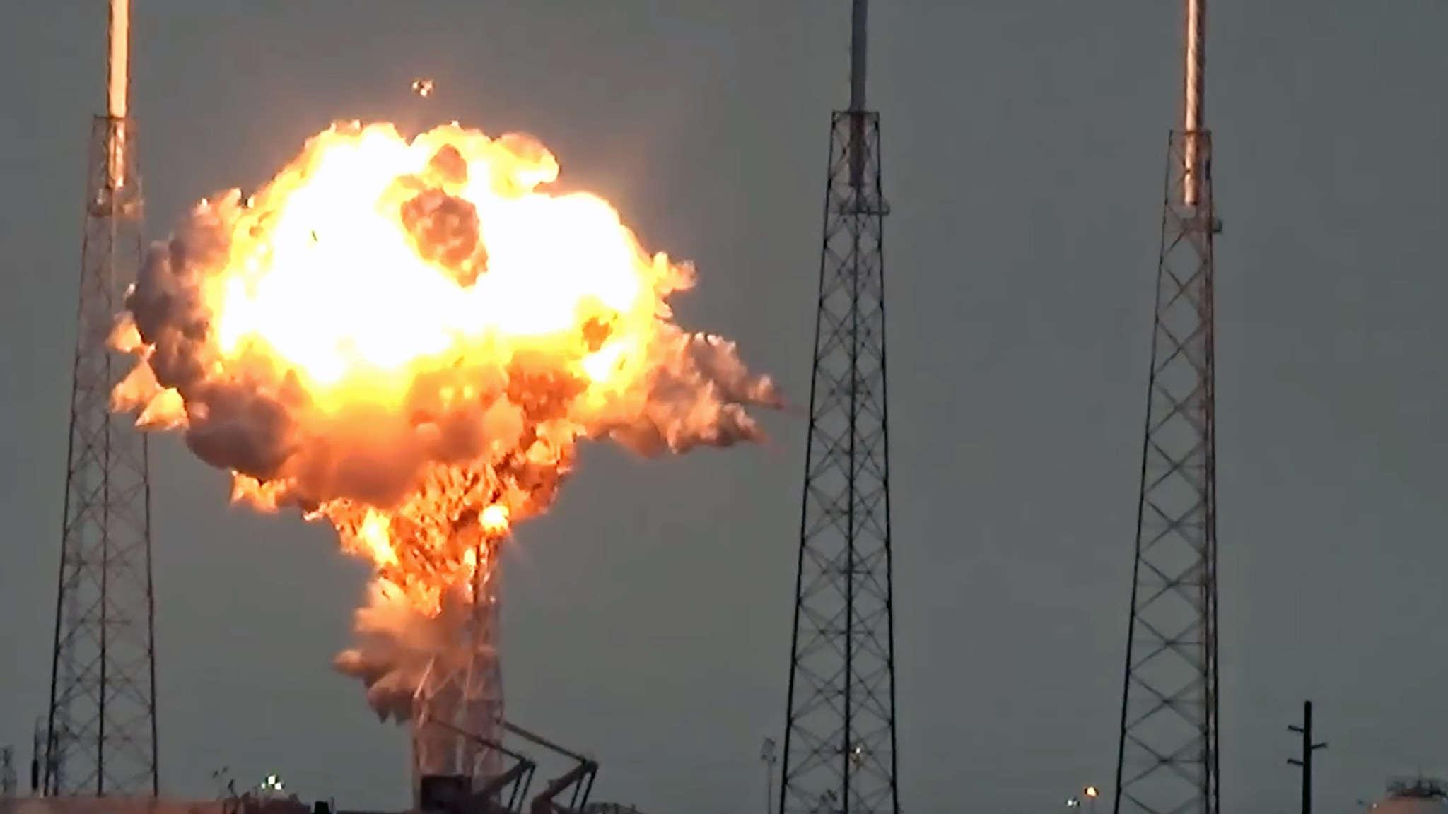 SpaceX - فيديو انفجار القمر الصناعي التابع لفيسبوك - AMOS-6 - 09-01-2016
