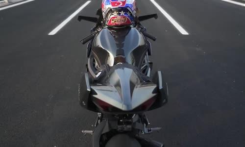 Kawasaki H2R - World Record 400 km_h in 26 sec. HD