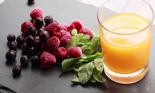   وصفة عصير البرتقال و التوت  Recipe Jus Orange Berry