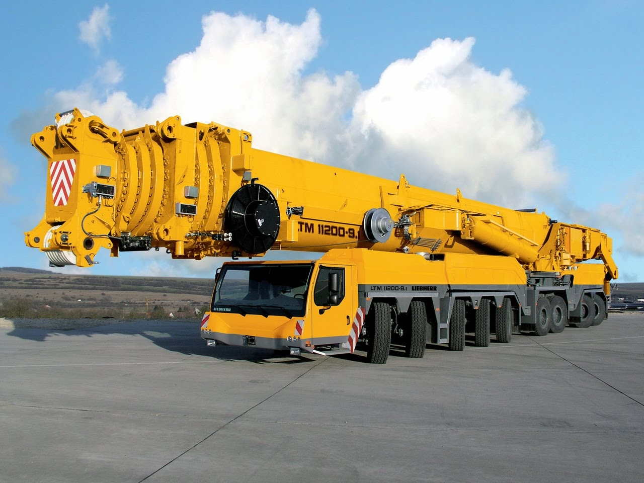 Largest Truck Crane Biggest Truck Crane Longest Crane Top 10 Most Amazing Crane in the World