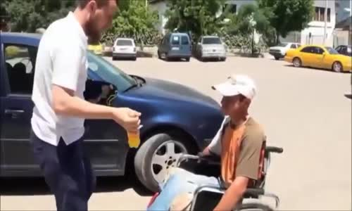 Watch Young Man Helps the Needy and Poor  Very Touching Video