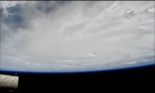 """الكاميرات الخارجية لمحطة الفضاء الدولية تلتقط إطلالة دراماتيكية لإعصار """"ماثيو"""""""