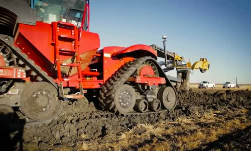 Heavy farming equipment - Modern tractors