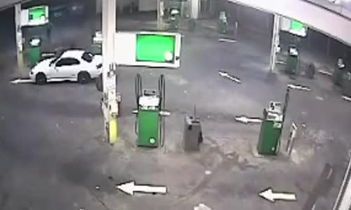 Driver jumps into moving car to stop thief