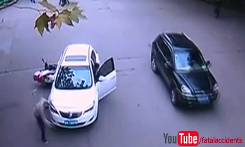 People Lift Car to Free Trapped Accident Victim