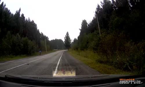 Wrapped Audi R8 hit & run in Russia