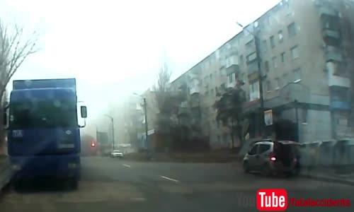 BMW High Speed Crash into Building