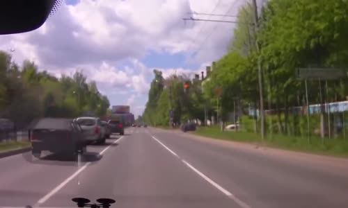 Biker decides to run Red light