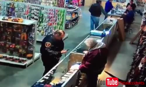 Police Officer Accidentally Shoots His Finger Off