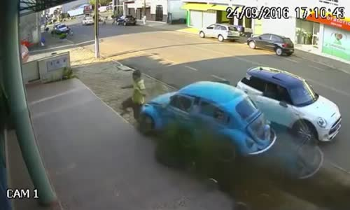 Man goes full ninja and escapes getting hit by car