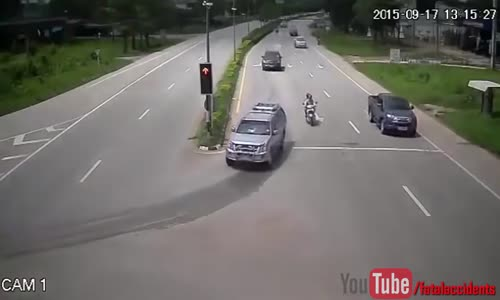 CCTV Captures a Mini Truck Rear Ending Bike