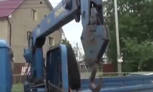 Unsecured crane arm's hook kills Russian man