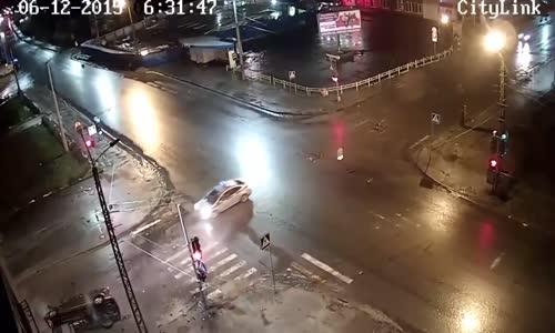Police Chase Ends In Hard Crash