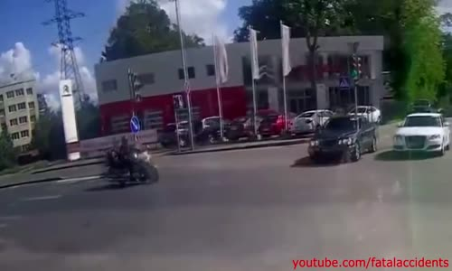 Crazy Motorcycle Accident Makes Rider Flip Onto Car