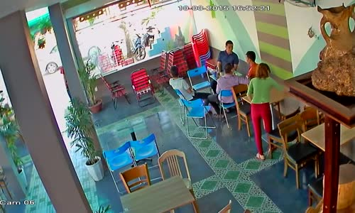 WWE Style Chair Fight At Coffee Shop