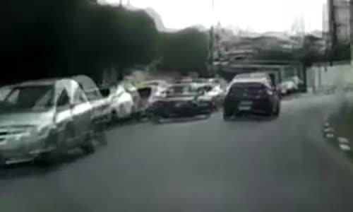Brazil Wild Police Chase_Crash