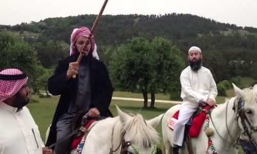 قريحة عائض القرني الشعرية على ظهر خيل مع نبيل العوضي ومحمد العريفي