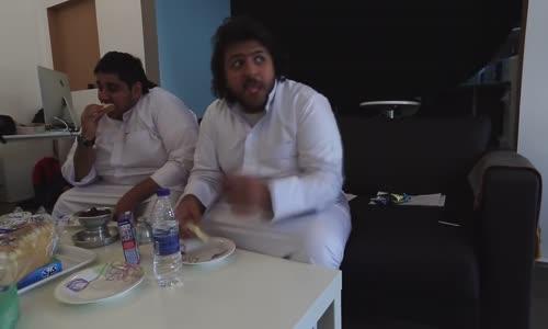 فتاوى رمضانية  ح 10  الأكل والشرب أثناء أذان الفجر  