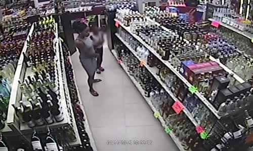Woman Teaches Little Girl To Shoplift
