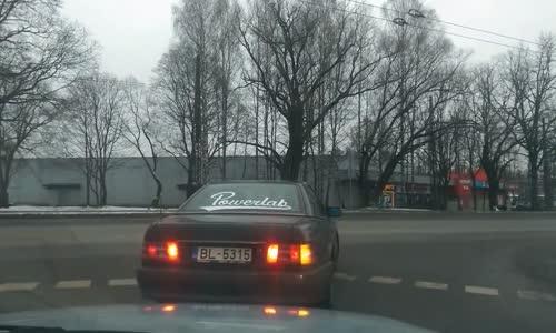 Crazy Hammer Wielding Mercedes Driver