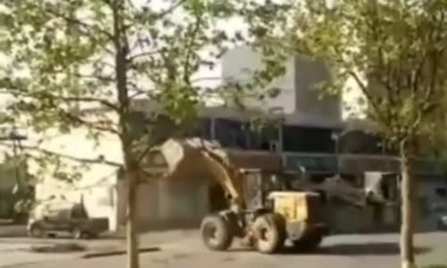 Loaders fight over construction contract