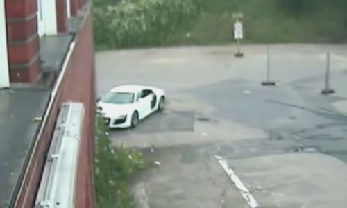 German special forces [SEK] releasing 109 bullets on suspect's Audi R8