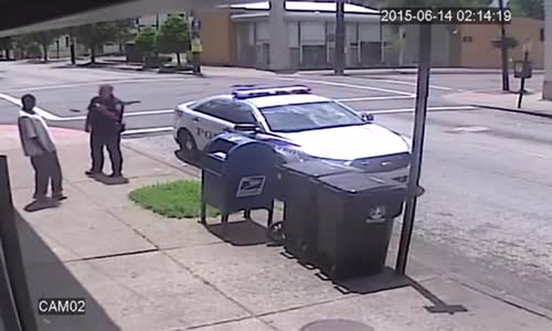 Cop kills man attacking with flag pole