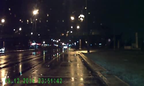 Brutal hydroplane car crash during police chase