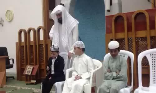 أطفال لايحسنون العربية انظر كيف يحفظون القرآن