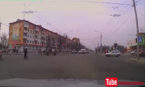 Two Drunks Try To Escape The Police With Horse And Cart