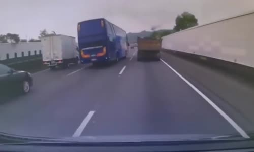 Bus driver hard crash after reckless overtaking