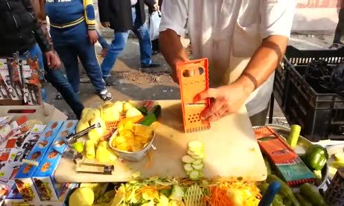 العراق بائع في الشورجة ادوات مطبخية يجبرك على شراء شيء بعد المشاهده