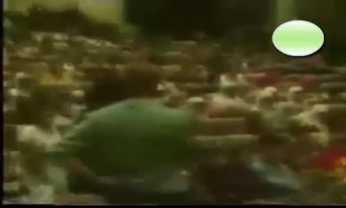 شاهد مسيحي يدعي أن النبي محمد أخد القرأن من زوجته  خديجة لانها مسيحية  اجابة احمد ديدات