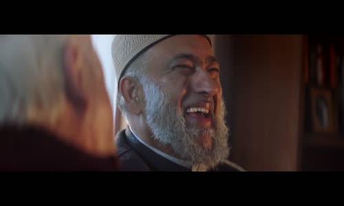 إعلان رائع لشركة أمازون يظهر فيه إمام مسلم وقسّ مسيحي كصديقين حميمين ضمن دراما لطيفة