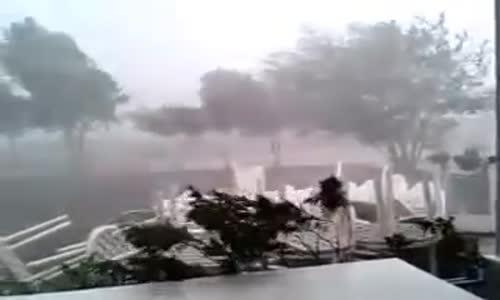 عاصفه وامطار قويه في ( ولاية صحار ) في سلطنه عمان