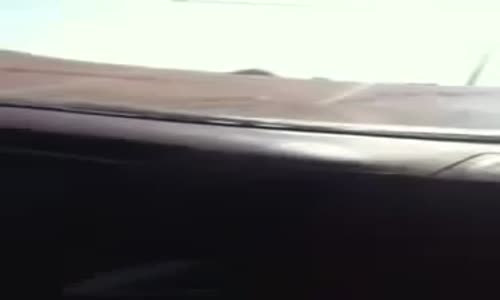 تصوير حقيقي_ انقلاب شباب سعوديين وهم يصورون بسبب أثيوبي جعلوه يسوق السياره .. المقطع كامل