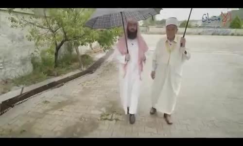 رجل عمره 70 سنه أنظر ماذا يفعل من أجل الأسلام !