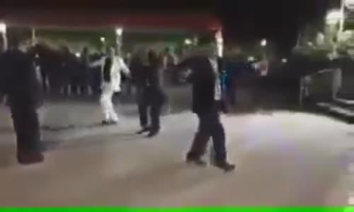 شاهد رجل عجوز يموت فجاه وهو يرقص فى فرح مقطع مؤثر اللهم نسألك حسن الخاتمة