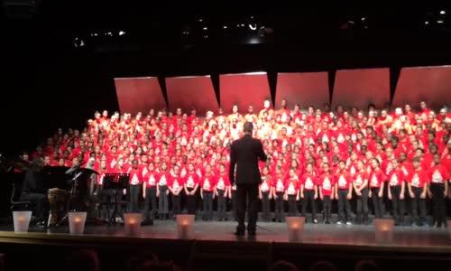 أطفال كندا يغنون أغنية طلع البدر علينا ترحيبا باللاجئيين في كندا أغنية جمييلة جدا