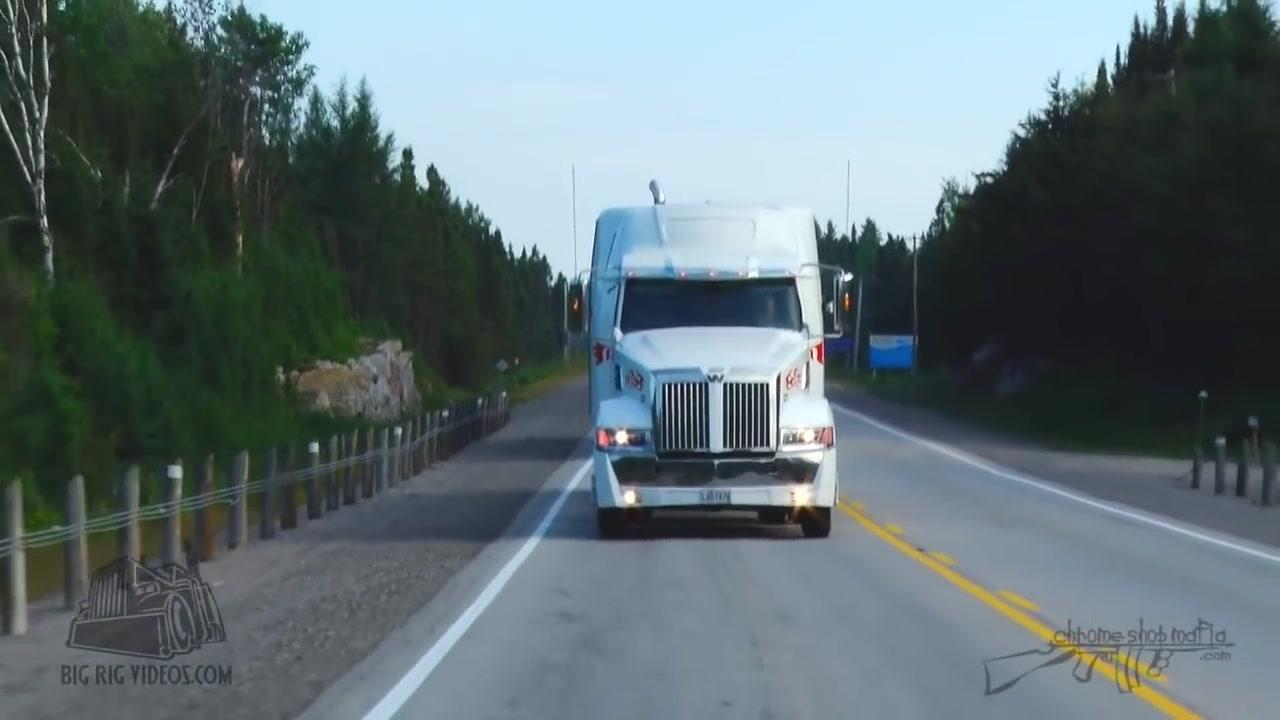 شاحنات عملاقة François Dorris اول تصوير لهذة الشاحنة علي الطريق